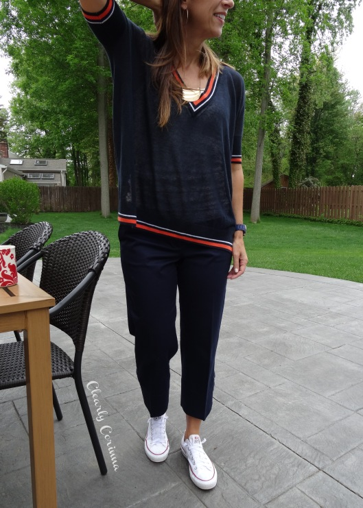 Sporty Outfit Navy White Converse